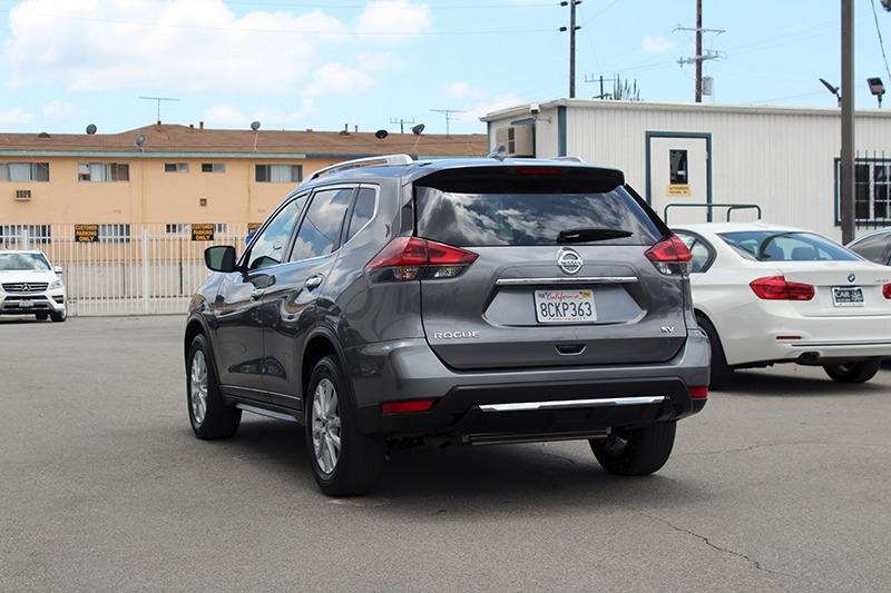 Nissan Rogue 2018 price $17,998