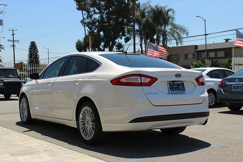 Ford Fusion 2015 price $13,998