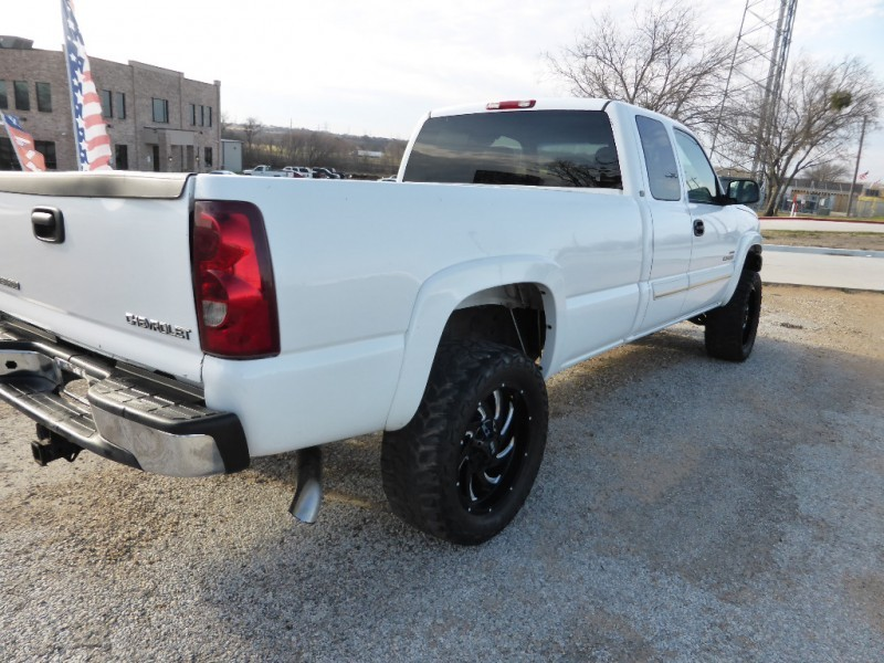 Chevrolet Silverado 2500HD 2003 price $11,995