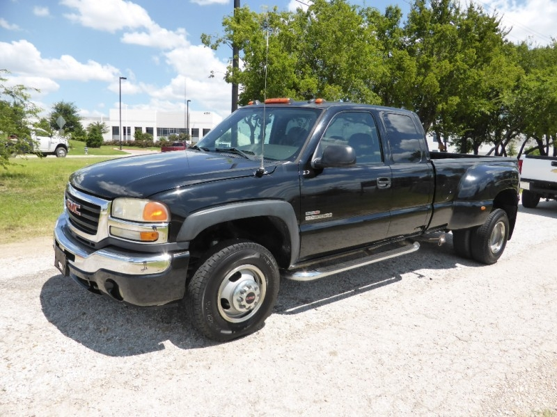 GMC Sierra 3500 2005 price $14,995