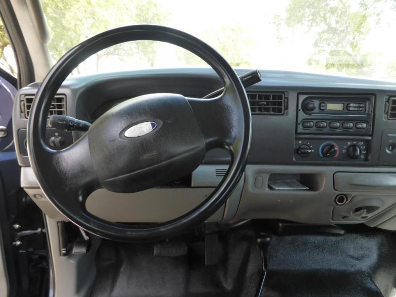 Ford Super Duty F-350 DRW 2003 price $11,995