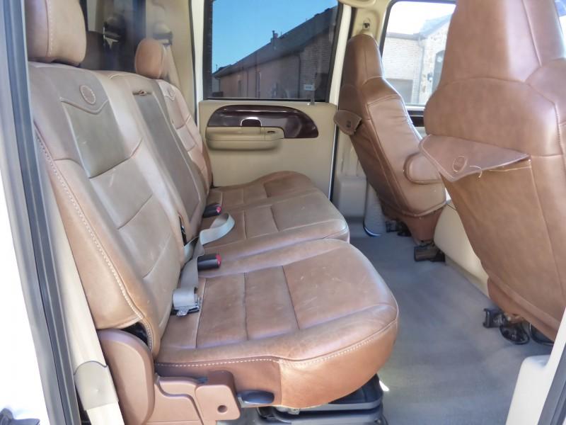 Ford Super Duty F-250 2006 price $17,988