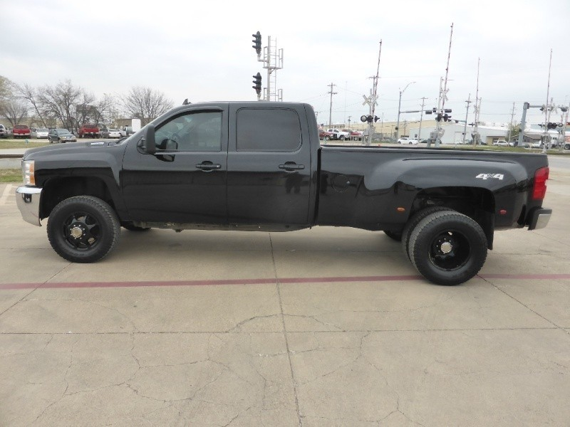 2009 Chevrolet Silverado 3500hd 4wd Crew Cab Drw Ltz Black Leveled Out Custom Wheels Inventory