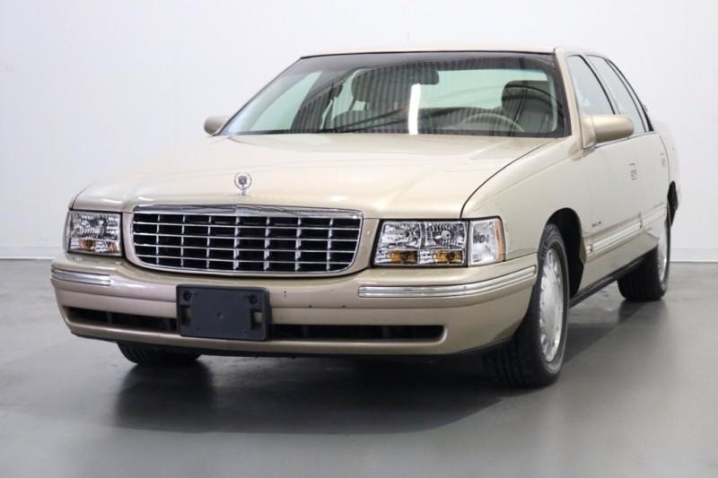 Cadillac Deville 1997 price $2,995