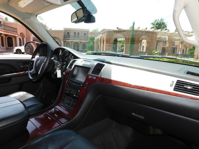Cadillac Escalade ESV 2010 price $16,950