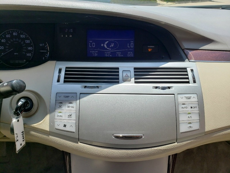 Toyota Avalon 2010 price $9,950