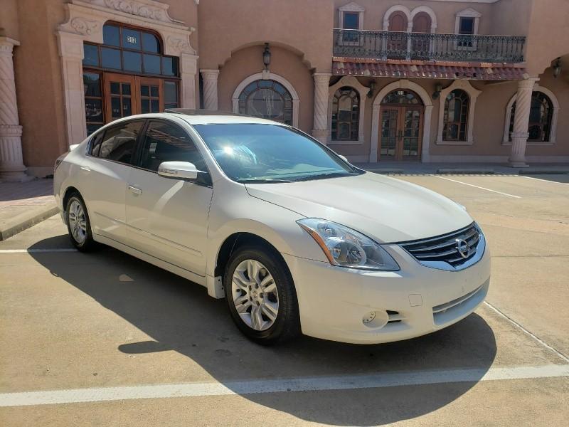 Nissan Altima 2012 price $9,850
