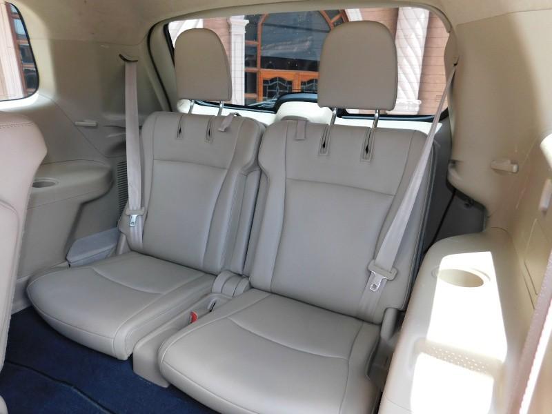Toyota Highlander 2012 price $15,350