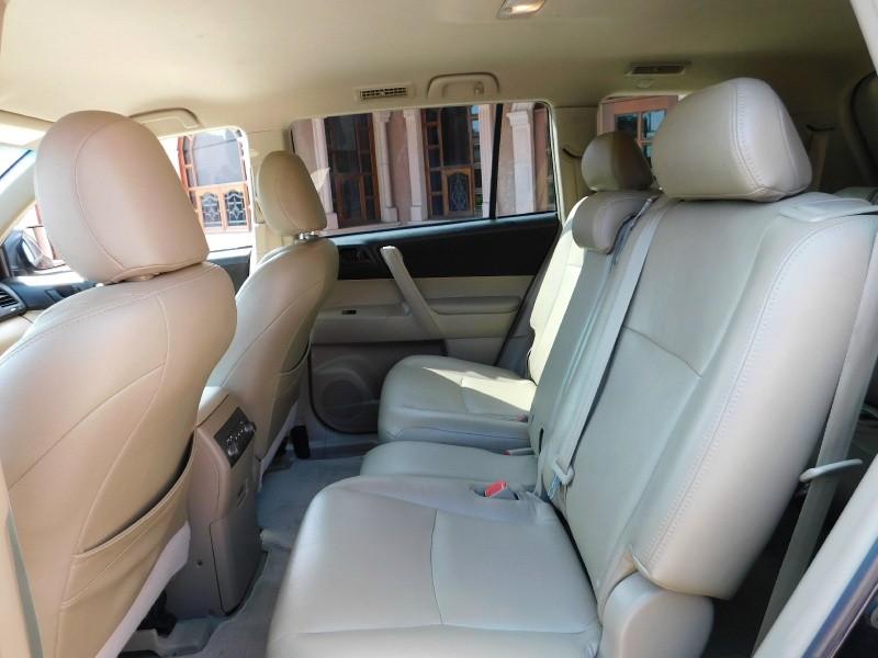 Toyota Highlander 2008 price $10,850