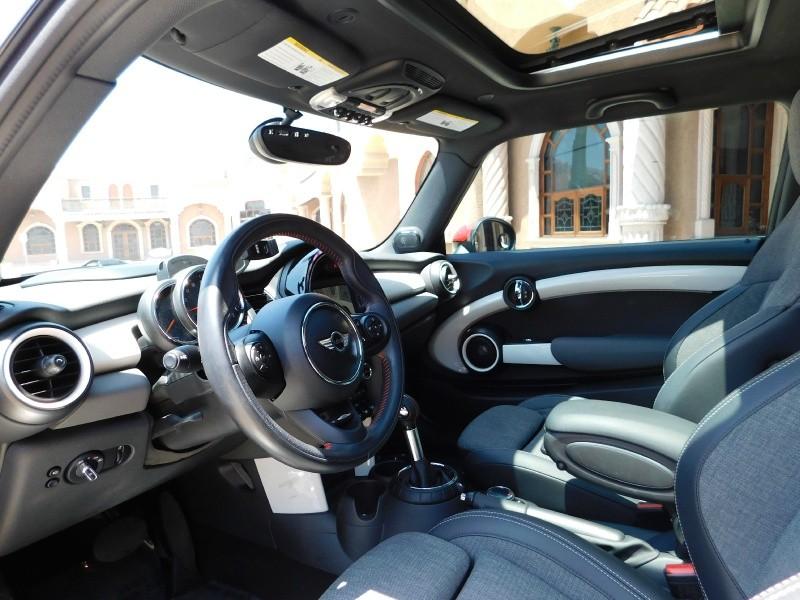 Mini Cooper Hardtop 2014 price $15,499