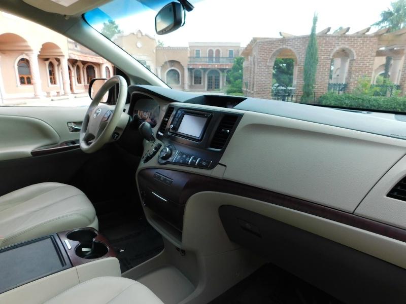 Toyota Sienna 2013 price $12,450