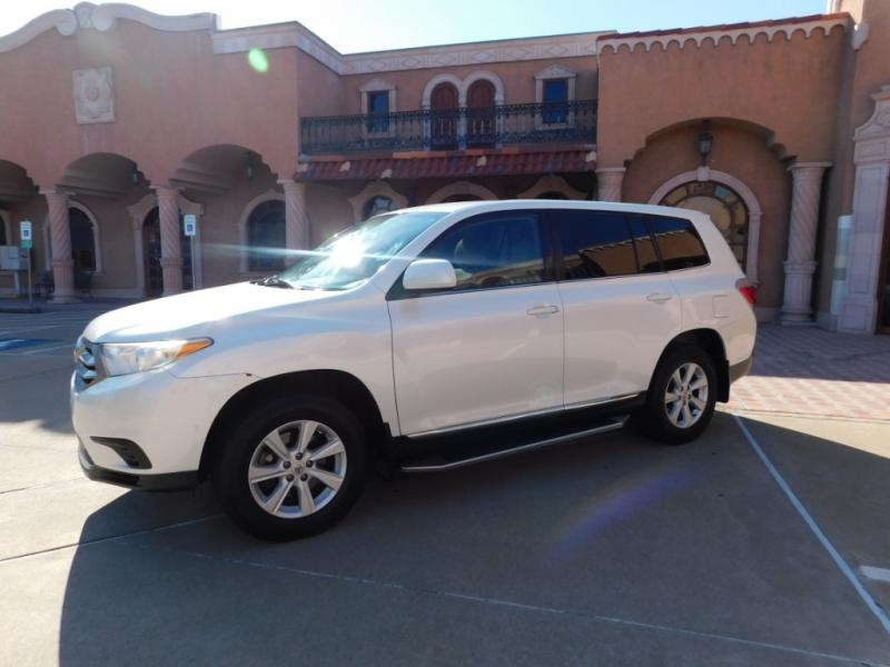 Toyota Highlander 2013 price $13,750