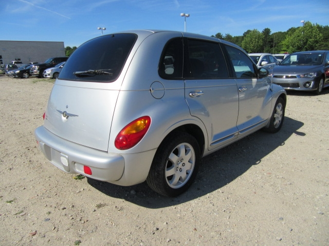 Chrysler PT Cruiser 2004 price $5,995