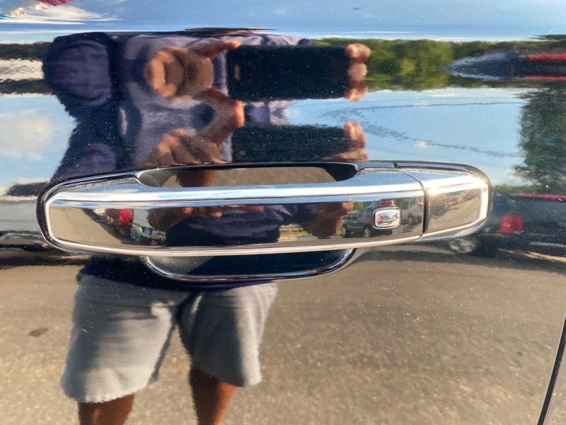 CHEVROLET SUBURBAN 2015 price $28,500