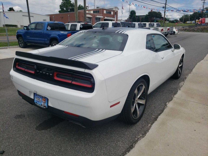 DODGE CHALLENGER 2017 price $34,299