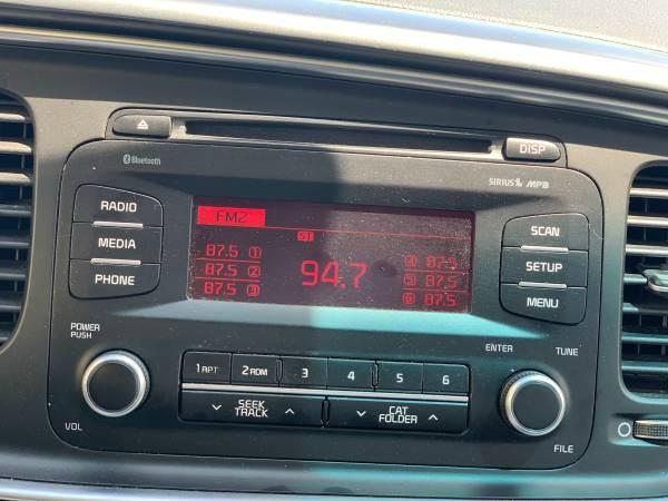 Kia Optima Hybrid 2015 price $12,499