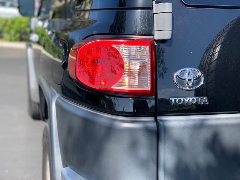 Toyota FJ Cruiser 2008 price $9,999
