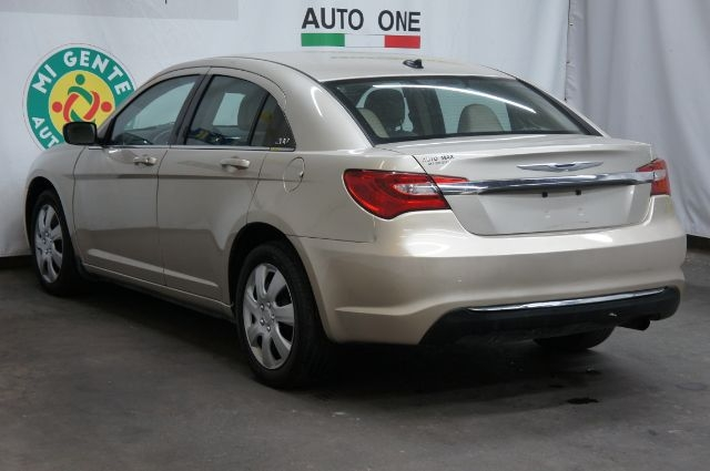 Chrysler 200 2013 price Call for price