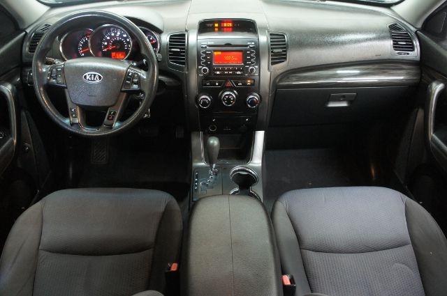 Kia Sorento 2012 price Call for price
