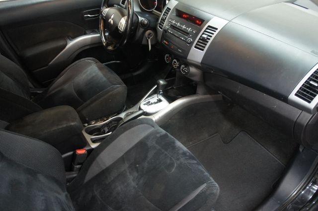 Mitsubishi Outlander 2011 price Call for price