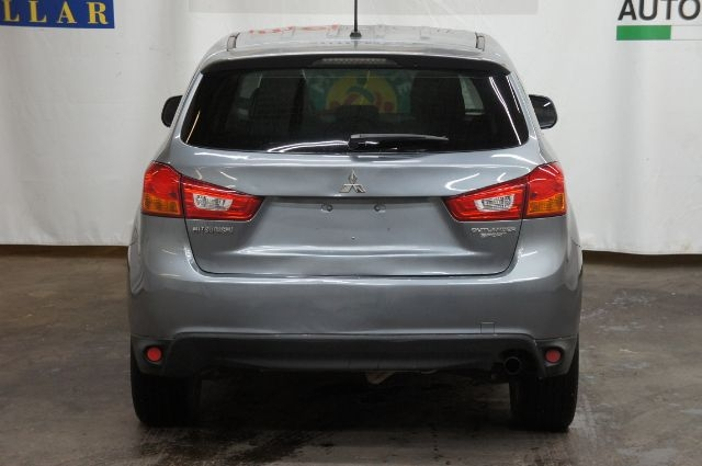 Mitsubishi Outlander Sport 2015 price Call for price