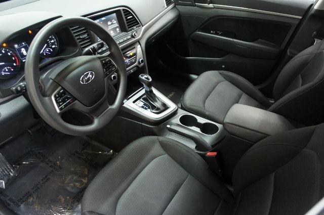 Hyundai Elantra 2018 price Call for price