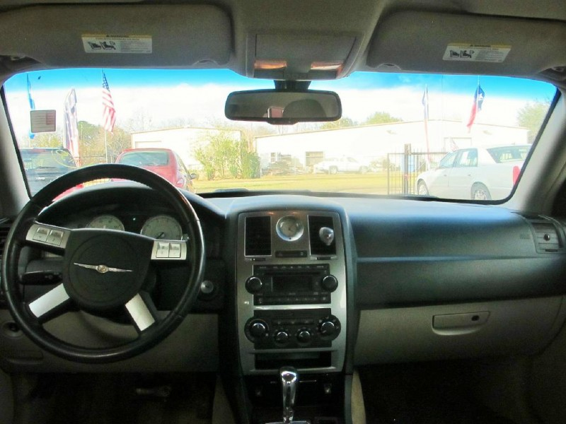 CHRYSLER 300 2006 price $4,500