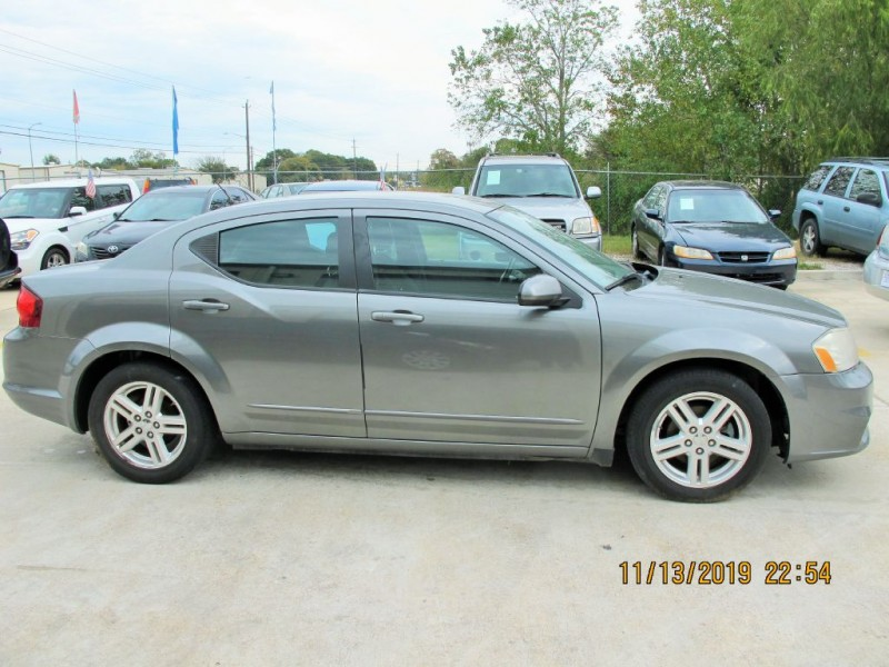 DODGE AVENGER 2012 price $3,990