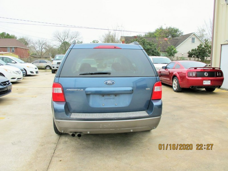 FORD FREESTYLE 2005 price $4,200