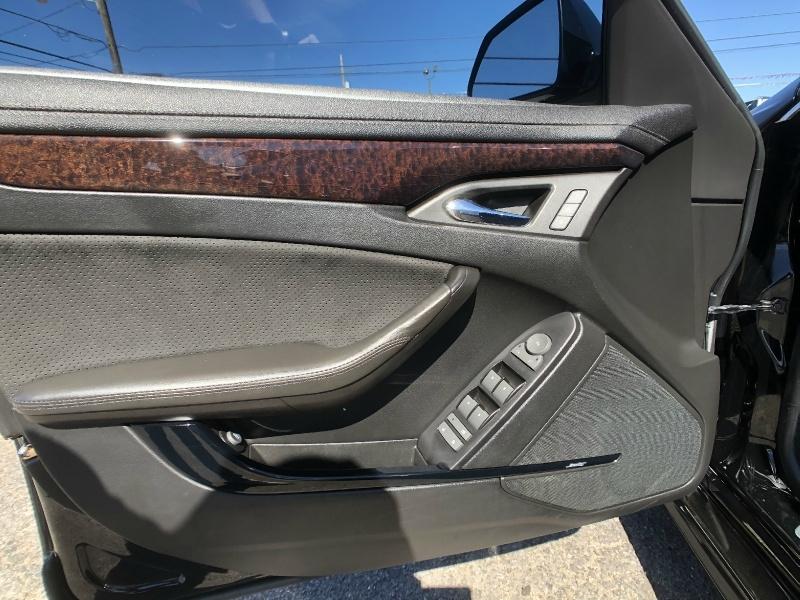 Cadillac CTS-V Sedan 2011 price $24,995