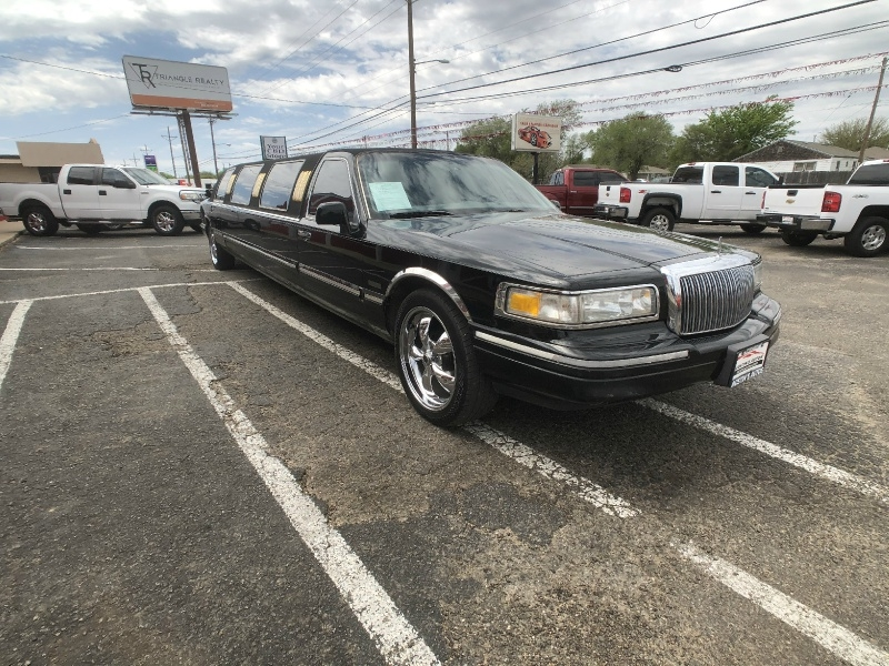 Lincoln Town Car 1997 price $4,995