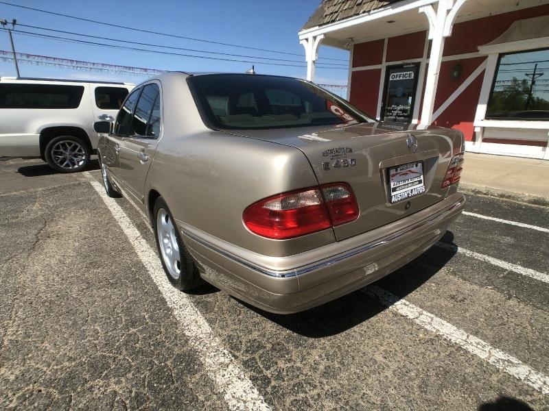Mercedes-Benz E-Class 2000 price $5,995