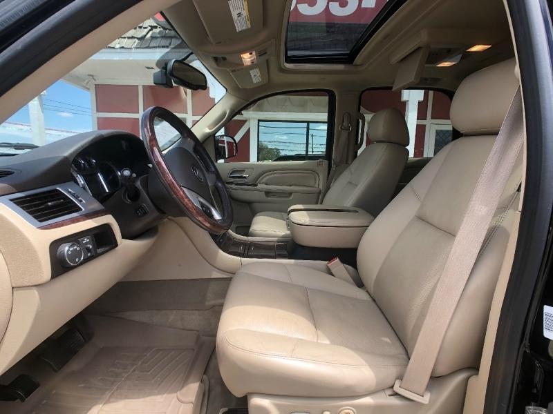 Cadillac Escalade 2011 price $18,995