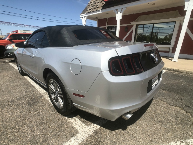 Ford Mustang 2013 price $8,995