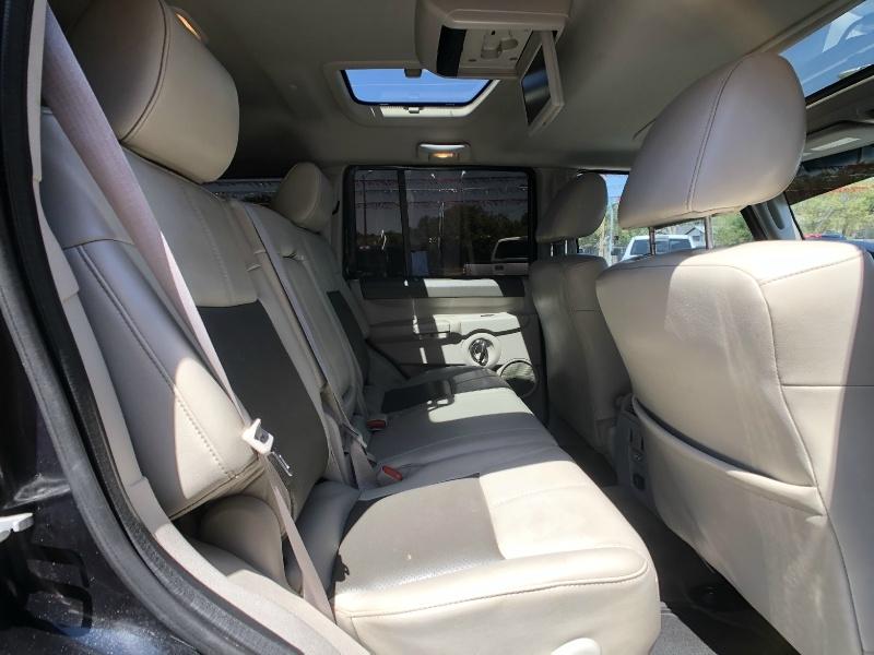 Jeep Commander 2009 price $9,995