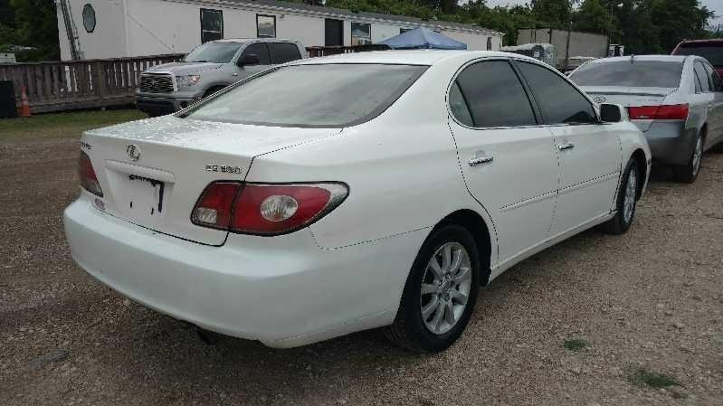 Lexus ES 330 2004 price $3,300 Cash