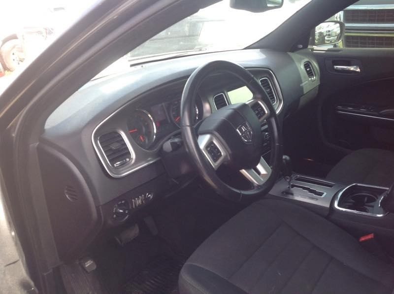 Dodge Charger 2011 price $6,000 Cash