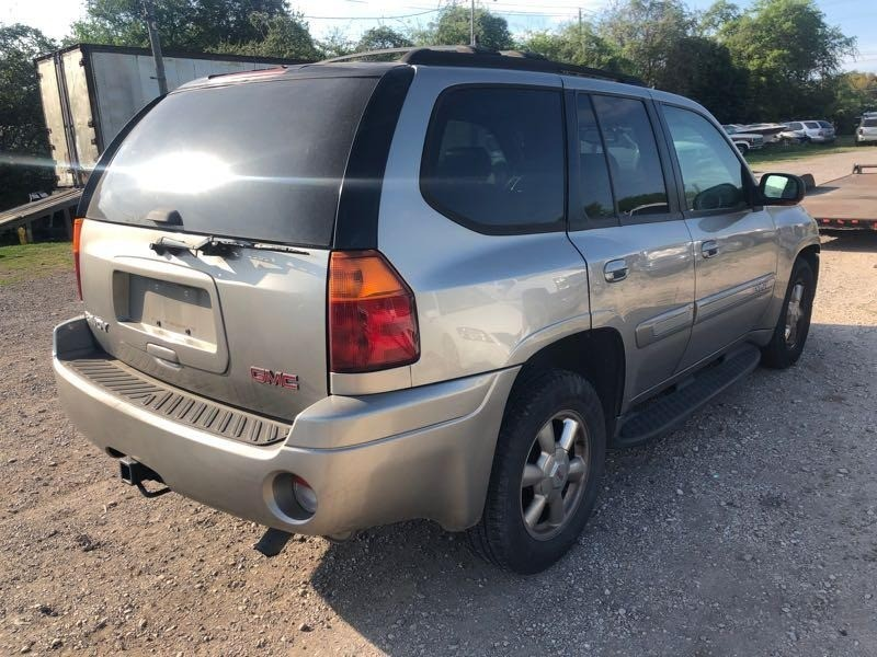 GMC Envoy 2002 price $2,900 Cash