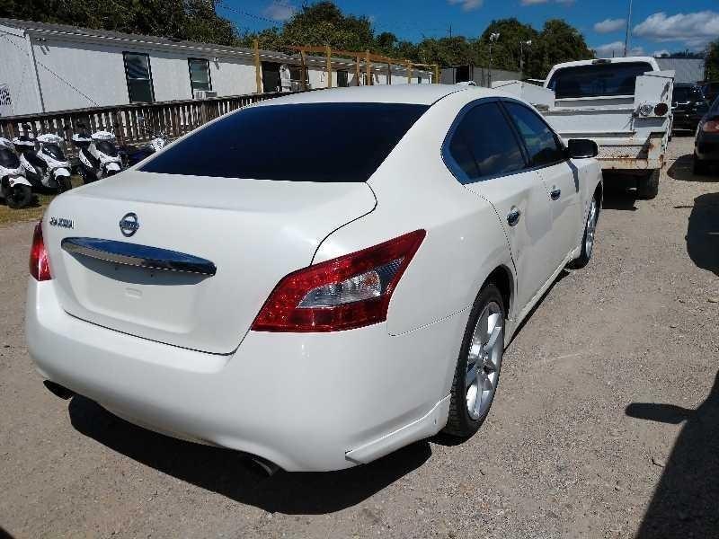 Nissan Maxima 2009 price $4,300 Cash