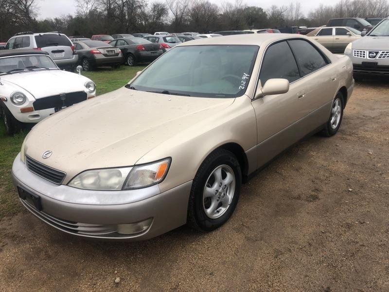 Lexus ES 300 1998 price $1,900 Cash