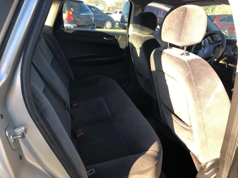 Chevrolet Impala 2006 price $2,900 Cash