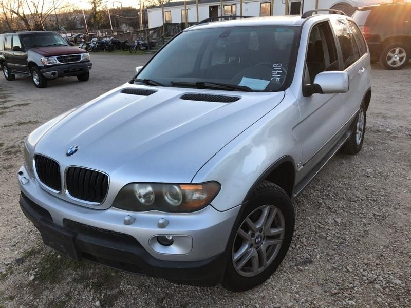 BMW X5 2004 price $2,900 Cash
