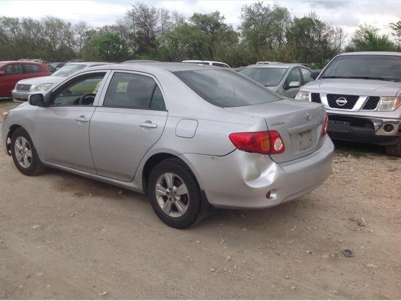 Toyota Corolla 2010 price $2,900 Cash
