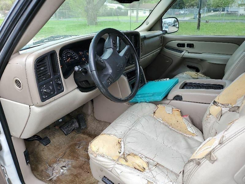 Chevrolet Tahoe 2003 price $1,700 Cash