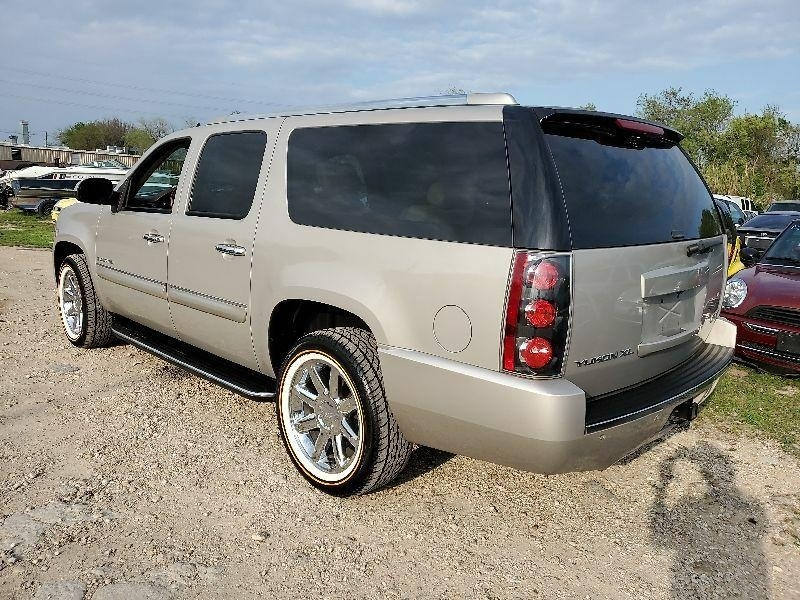 GMC Yukon XL 2007 price $5,500 Cash