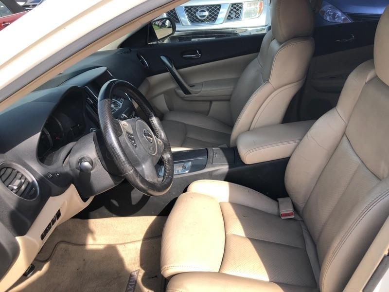 Nissan Maxima 2012 price $5,000 Cash