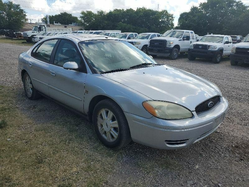 Ford Taurus 2004 price $1,900 Cash