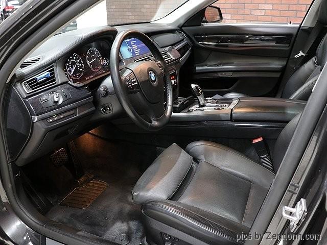 BMW 7-Series 2009 price $13,490