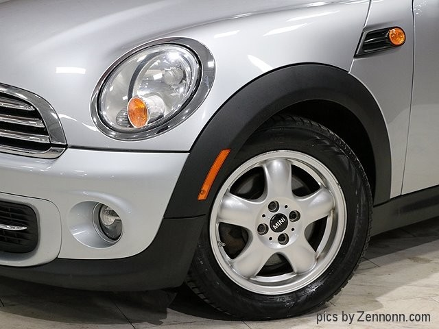 Mini Cooper Hardtop 2011 price $8,490