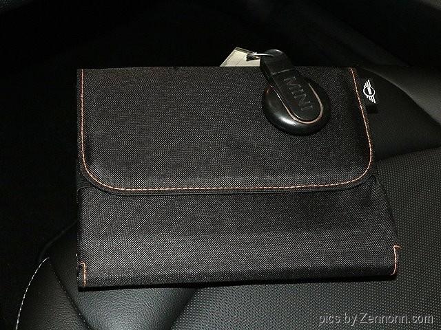 Mini Cooper Hardtop 2015 price $13,490